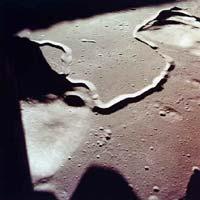 Фото NASA AS15-87-11718. Фотография места посадки, сделанная астронавтами «Аполлона-15»