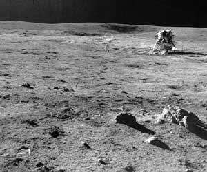 Фото NASA AS14-68-9486. Лунный модуль