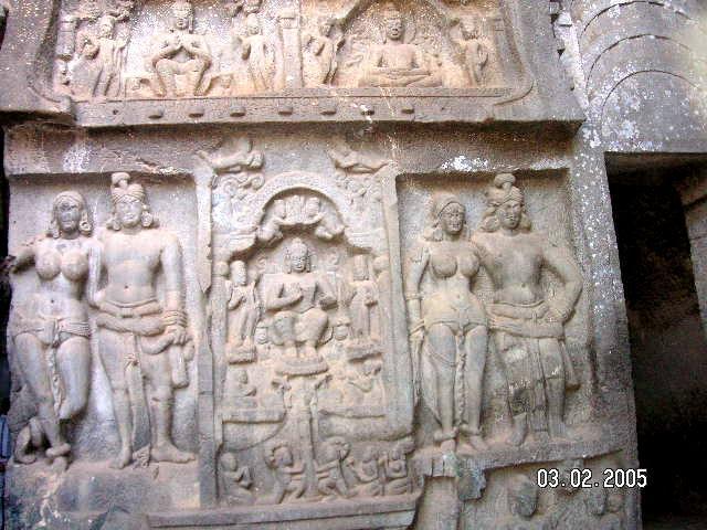 """Пешеры """"Карла""""]Пещеры Карла рядом с Лонавла в Махараштре, Индии"""