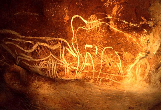 Древний слон и олень