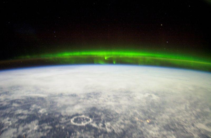 Северное полярное сияние над Канадой, сфотографированное 6ой экспедицией НАСА.